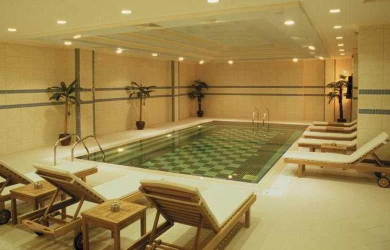 Grand Oztanik - Pool - 4