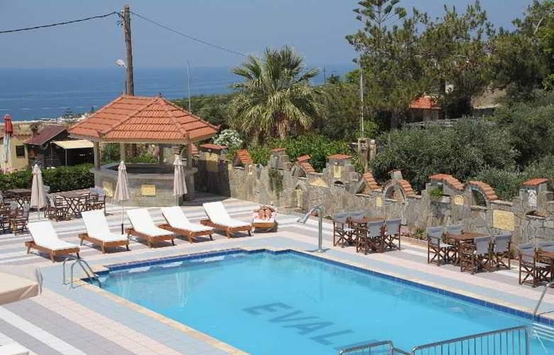 Evalia Apts - Pool - 10