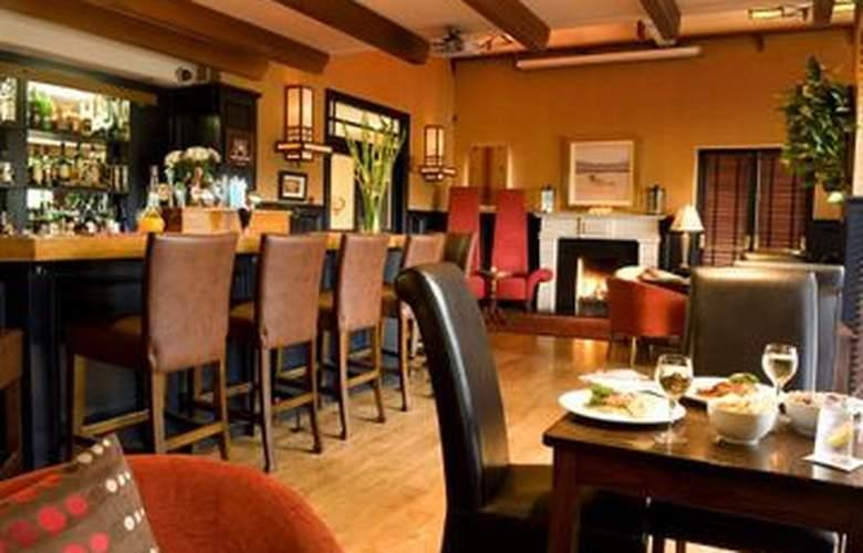 Victoria House Hotel - Bar - 3