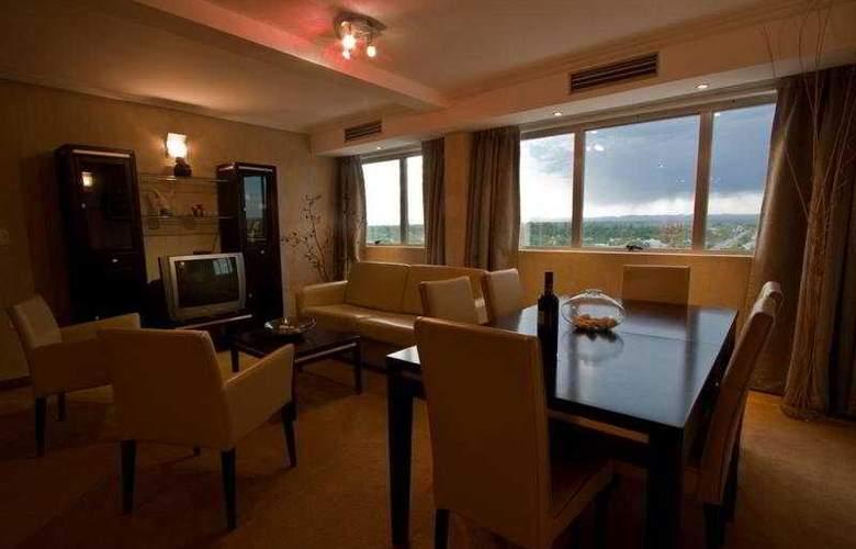 Tower &  Inn Suites - General - 2