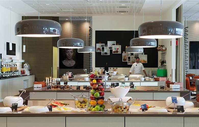 Clarion Hotel Arlanda Airport - Restaurant - 4