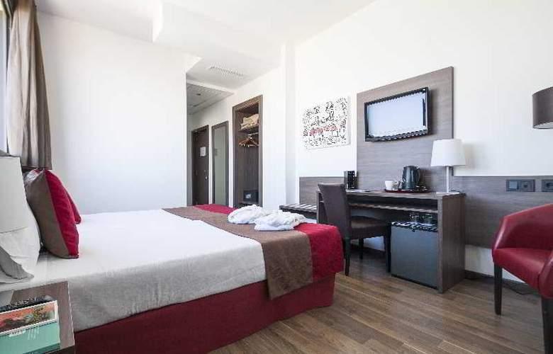 Best 4 Barcelona - Room - 31