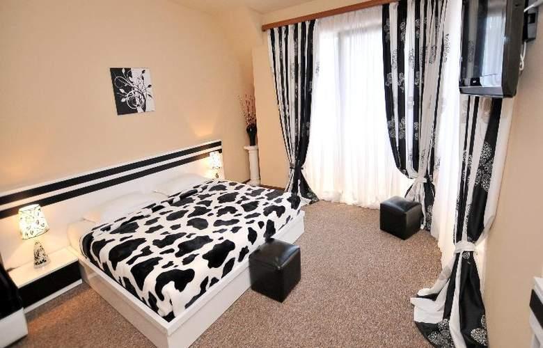 Diplomat Hotel - Room - 35