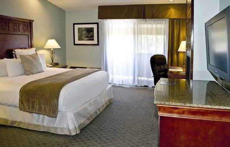 Best Western Plus Forest Park Inn - Hotel - 4