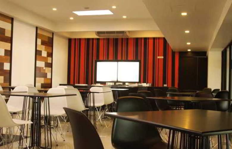 Heritage Hotels Srinakarin - Restaurant - 15