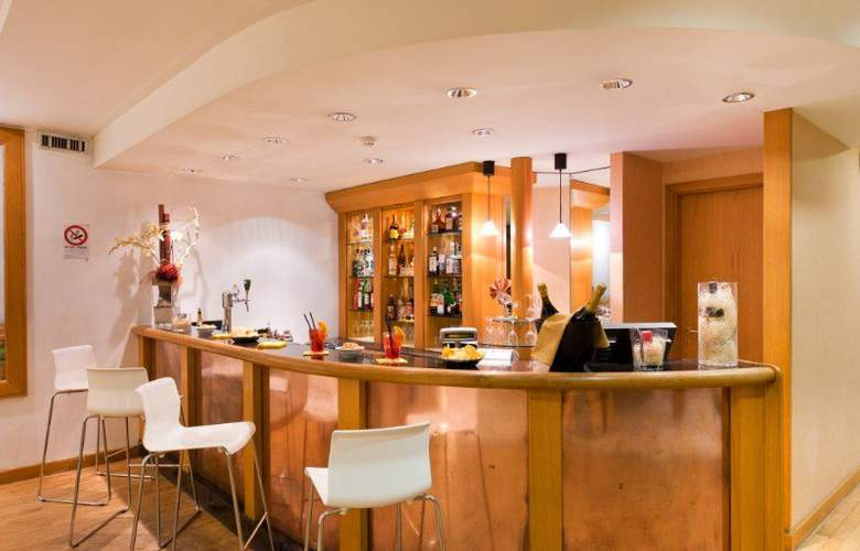 Italiana Hotels Florence - Bar - 16