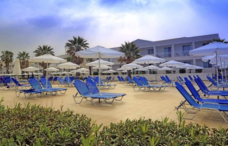 Labranda Sandy Beach Resort - Terrace - 11