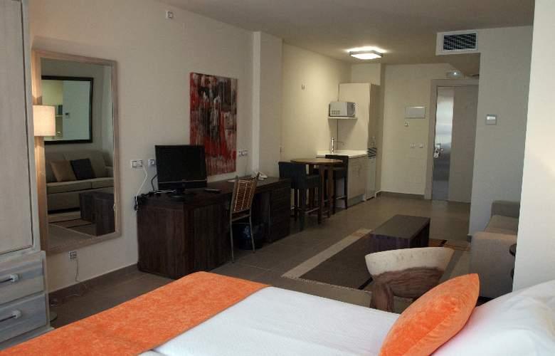 Eco Alcala Suites - Room - 5