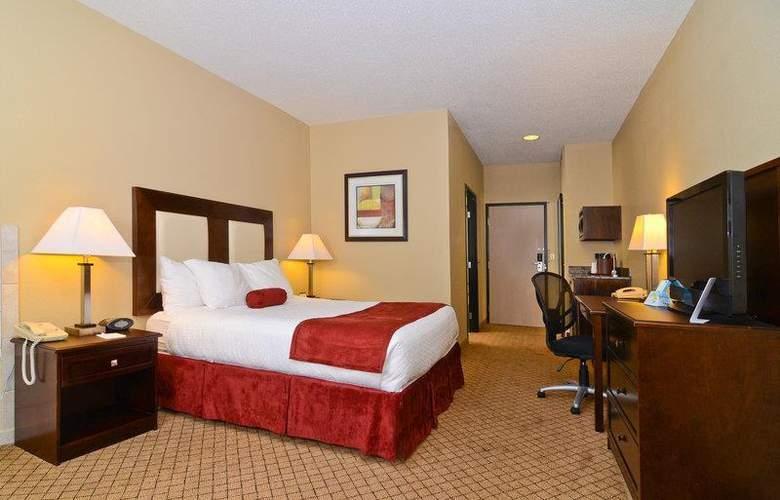 Best Western Plus Macomb Inn - Room - 59