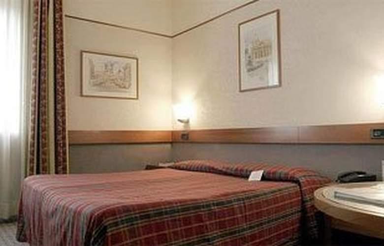 Holliday Inn Rome West - Room - 1