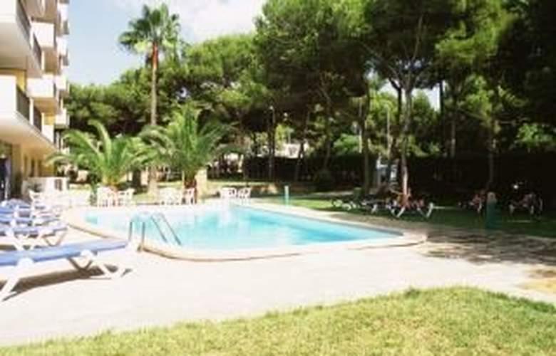 Tres Torres - Pool - 2