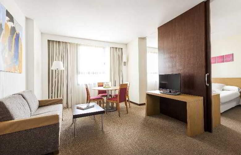 Ilunion Valencia - Room - 23