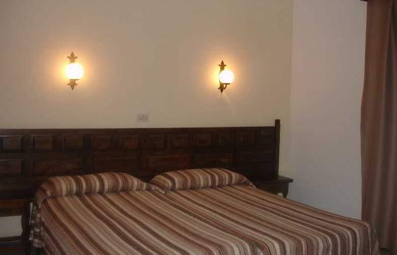 Santa Ana - Room - 3