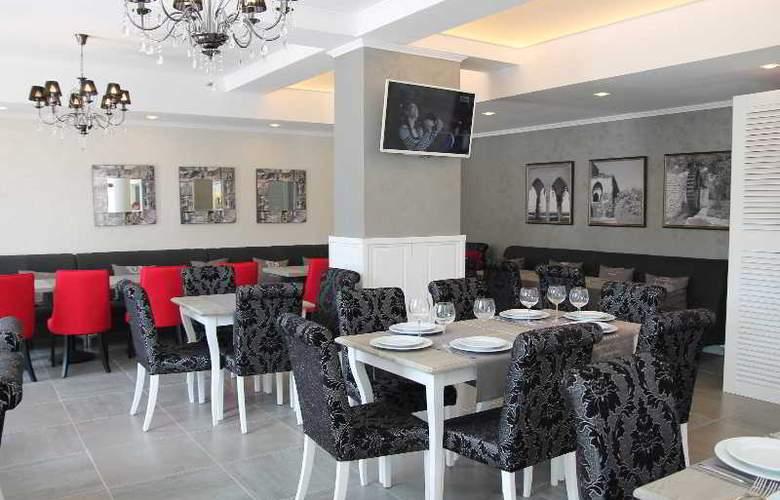 White Rock Castle, Suite hotel - Restaurant - 5
