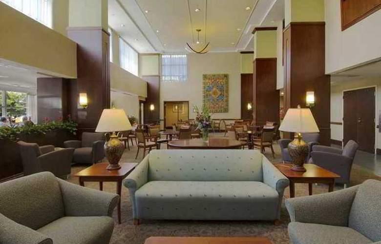 Doubletree Club Bayside - Hotel - 9