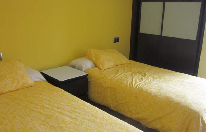 Apartamentos Camilo - Room - 6