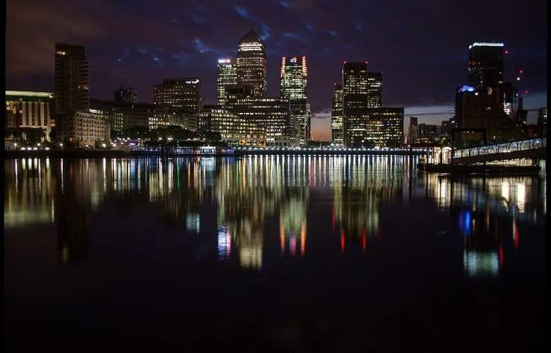 Hilton London Docklands Riverside - General - 1