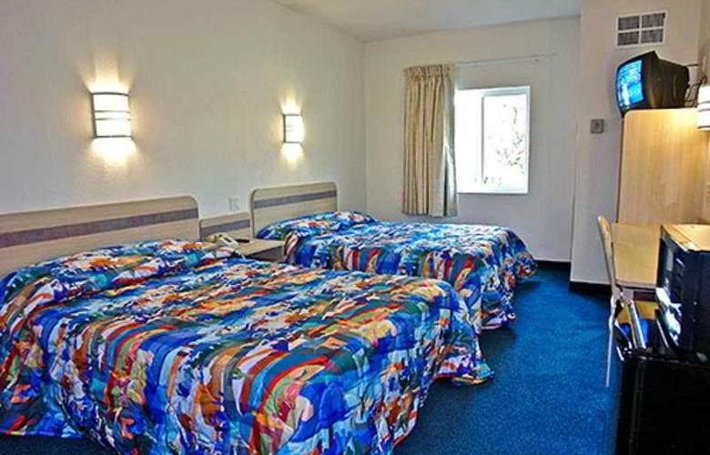 Motel 6 Lincoln City - Room - 3