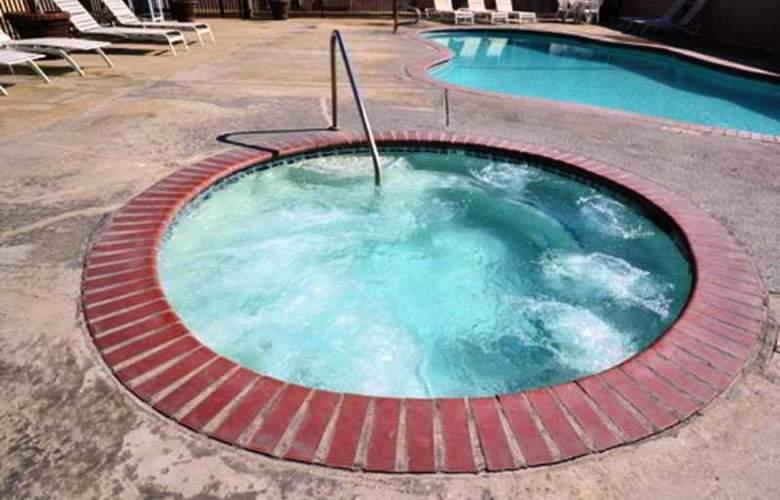Comfort Inn Fresno - Sport - 7