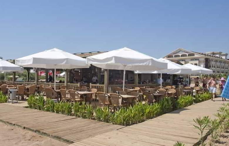 Crystal Palace Luxury Resort & Spa - Beach - 25