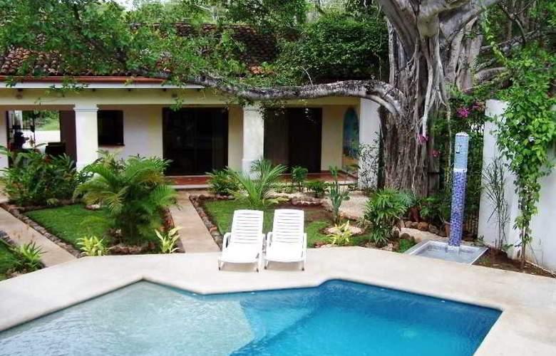 Playa Grande Park Hotel - Pool - 2