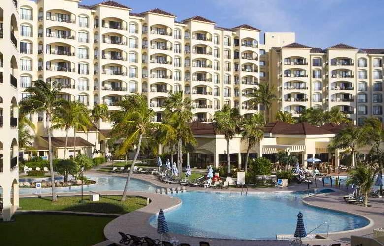 The Royal Caribbean - Pool - 16