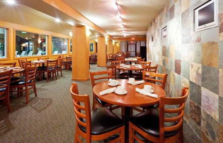 Holiday Inn Cape Cod-Hyannis - Restaurant - 1