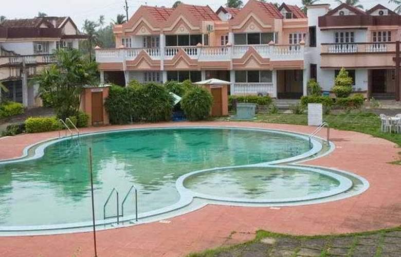 Lotus Beach Resort - Pool - 3