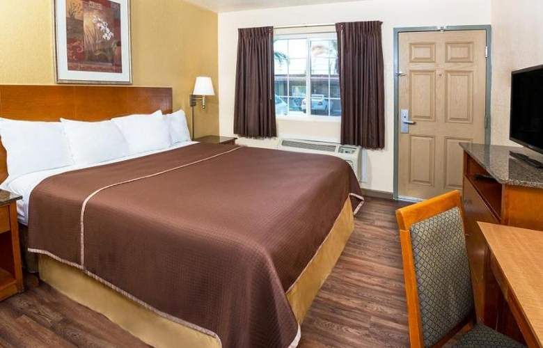 Howard Johnson Express Inn National City/San Diego - Room - 9