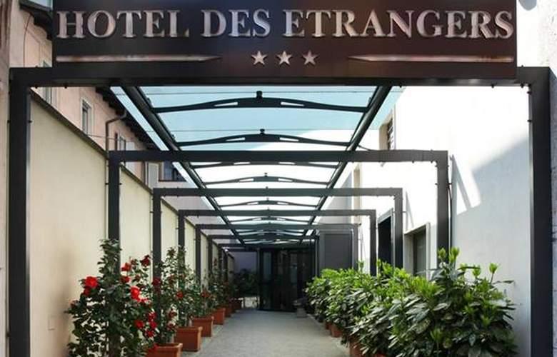 Des Etrangers - Hotel - 0