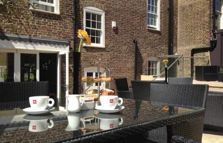 The Westbridge - Stratford London - Terrace - 23