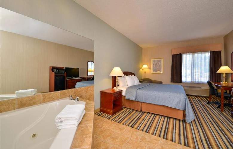 Best Western Plus New England Inn & Suites - Room - 28