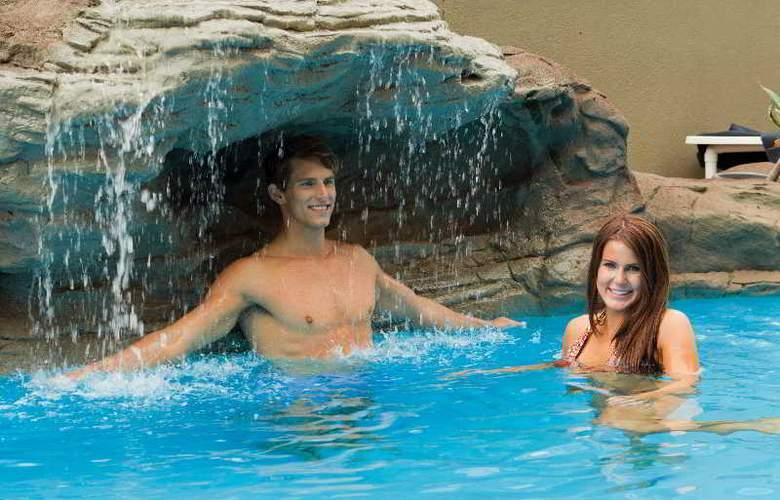 Riverside Hotel South Bank - Pool - 2