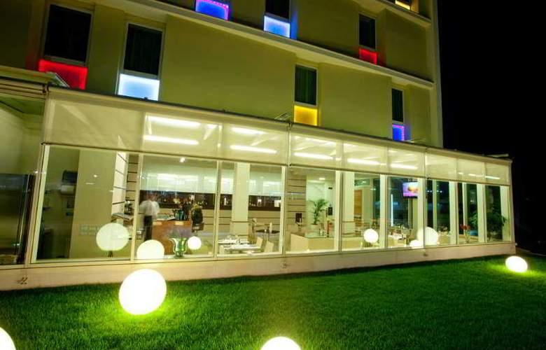Breaking Business Hotel - General - 3