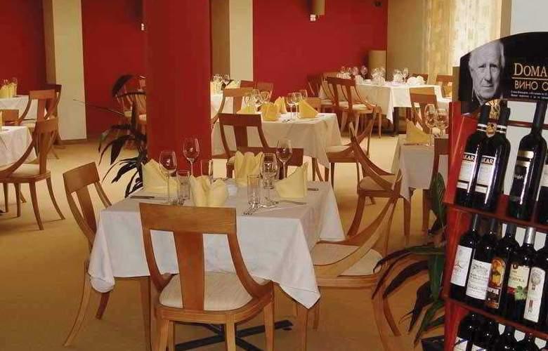 Triada - Restaurant - 3