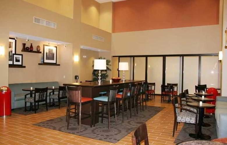 Hampton Inn & Suites Folsom - Restaurant - 9