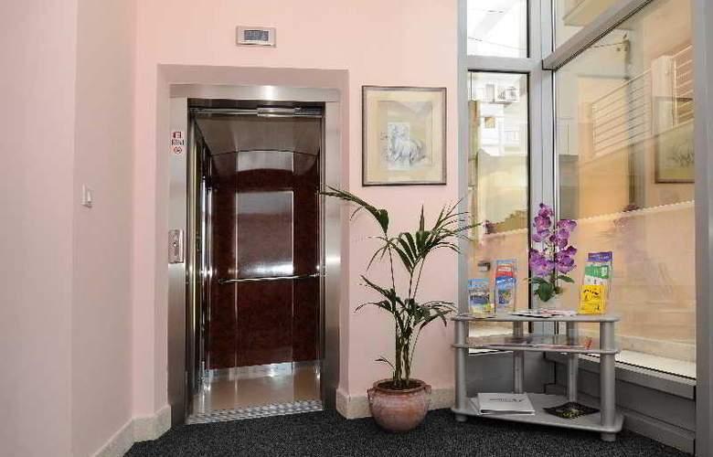 HOTEL ROSINA - Hotel - 11
