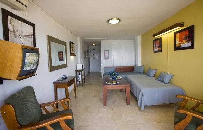 Apartamentos Jabega - Room - 5