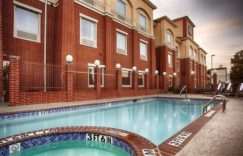Best Western Plus Duncanville/Dallas - Pool - 100