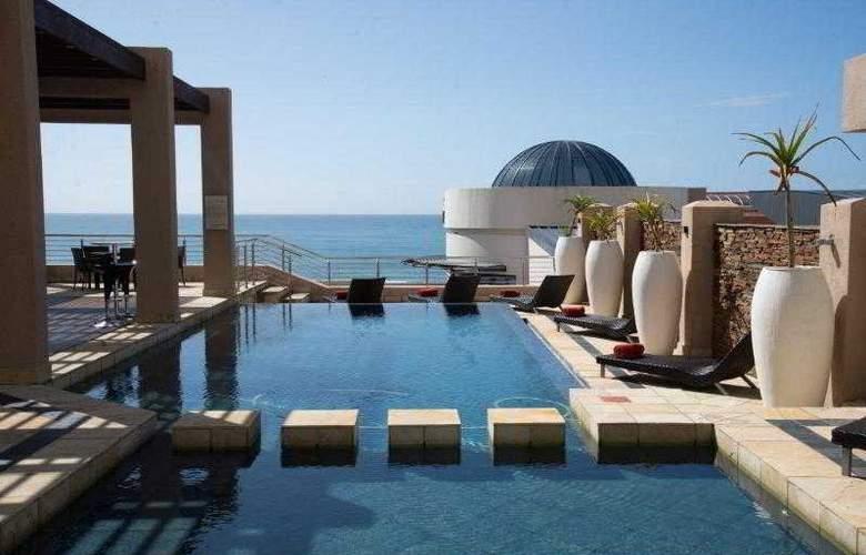 Premier Hotel ELICC - Pool - 24