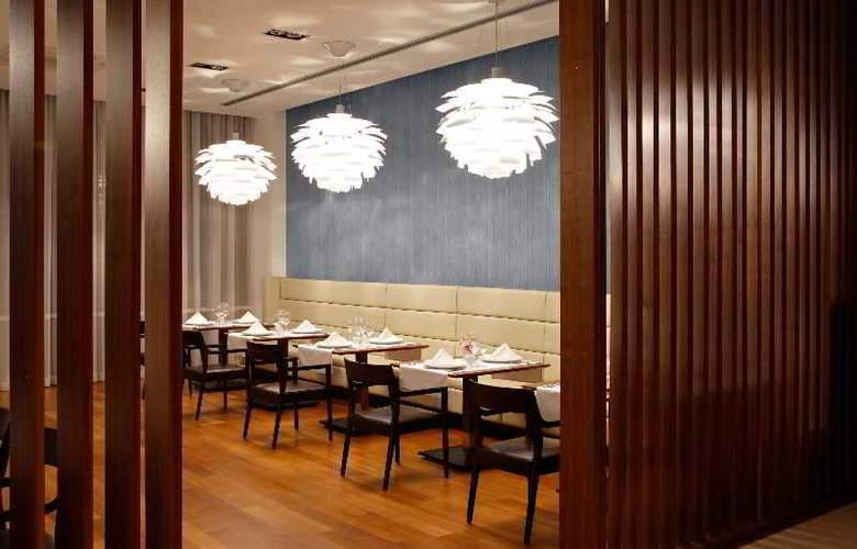 Atrium - Restaurant - 21