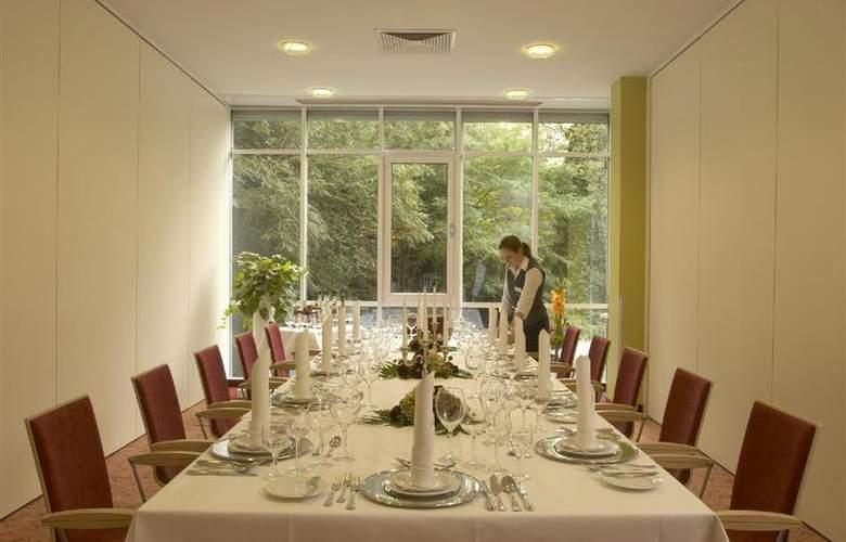 Best Western Premier Hotel Villa Stokkum - Restaurant - 75