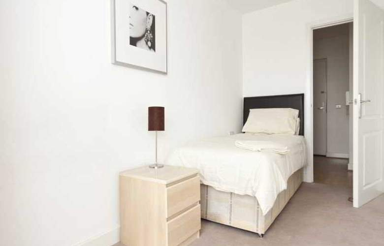 Tarves Way Apartments - Room - 2