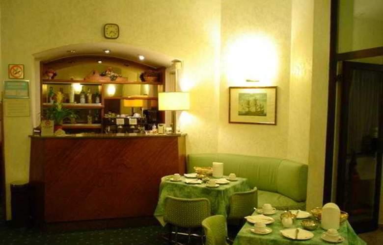 Flora - Restaurant - 10