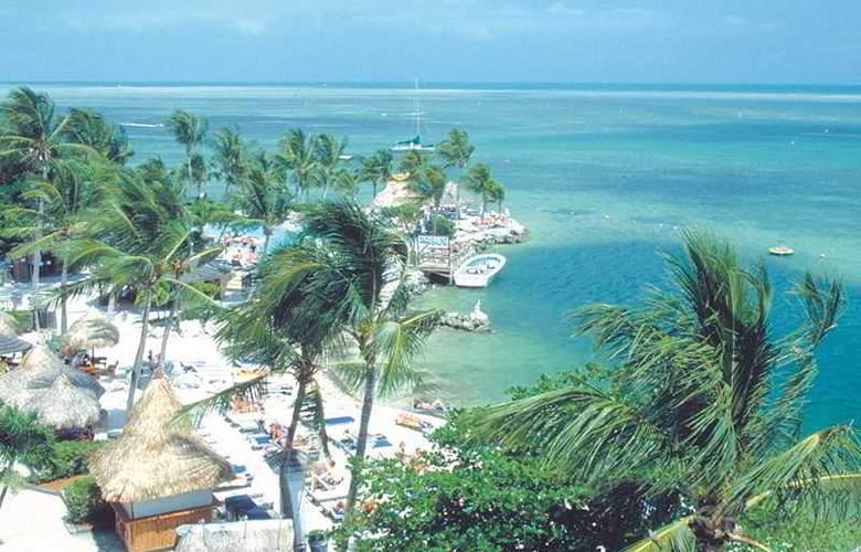 Holiday Isle Beach Resort & Marina - Beach - 2