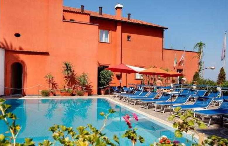 Villa Maria - Pool - 6