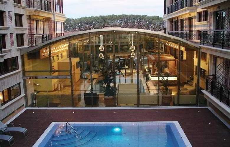 Gran Hotel Liber & Spa - Pool - 5