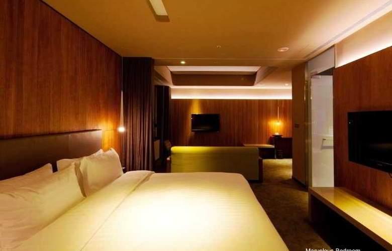 Home - Room - 6