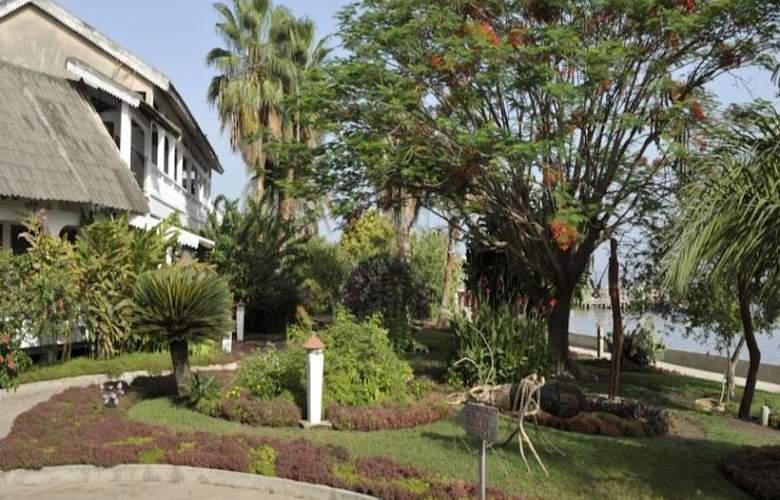 Kadiandoumagne Hotel - Terrace - 10