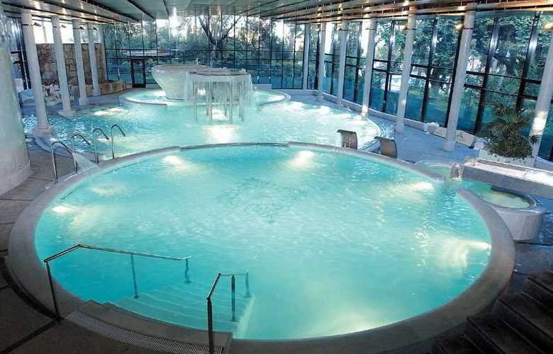 Termes Montbrio - Pool - 2